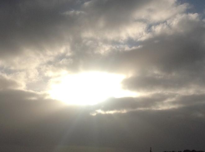 Sola kommer igjennom